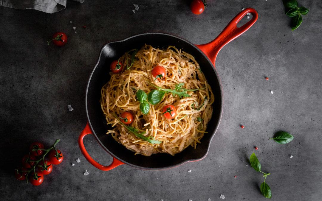 Spaghetti mit Tomaten-Cashewsahne